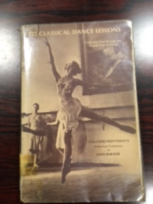 101 Classical Dance Lessons. From the first through the eighth year of study with forty-eight lessons on Pointe